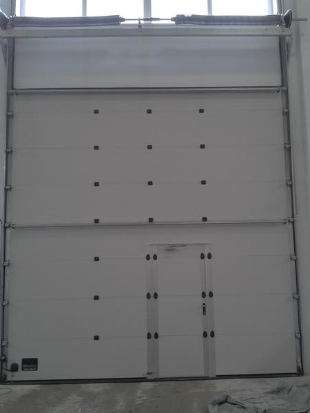 Prodaja, montaža in servis garažnih in rolo vrat gallery photo no.10