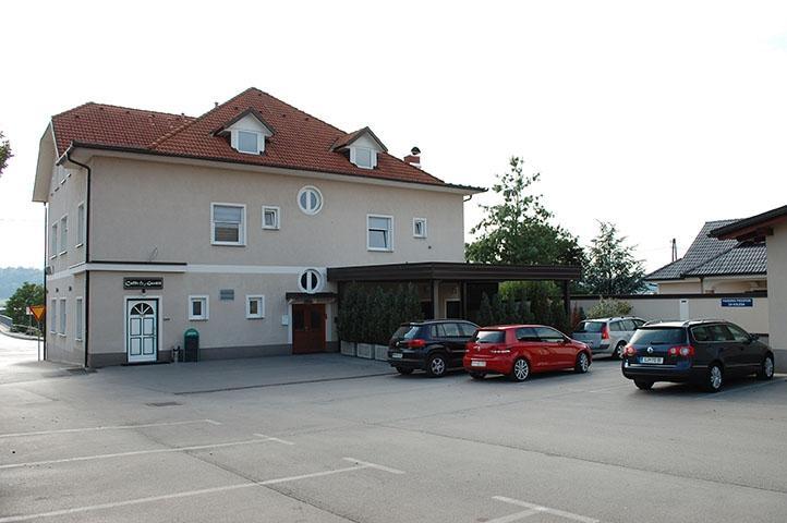 Sobe, rooms Grosuplje - apartma, prenočišča Goršič Grosuplje gallery photo no.1