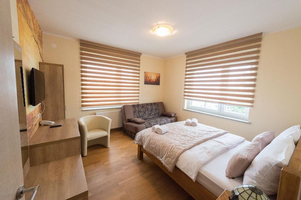 Sobe, rooms Grosuplje - apartma, prenočišča Goršič Grosuplje gallery photo no.9