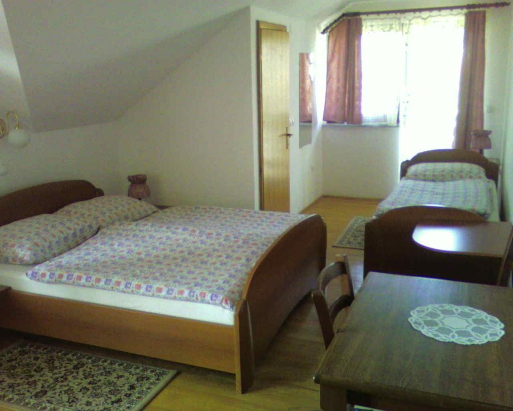 Sobe, rooms, zimmer FRANKOVIČ - Črnomelj, Bela krajina gallery photo no.13