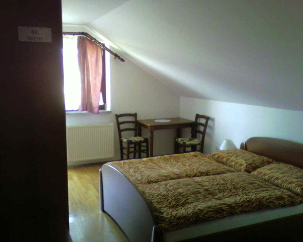 Sobe, rooms, zimmer FRANKOVIČ - Črnomelj, Bela krajina gallery photo no.15