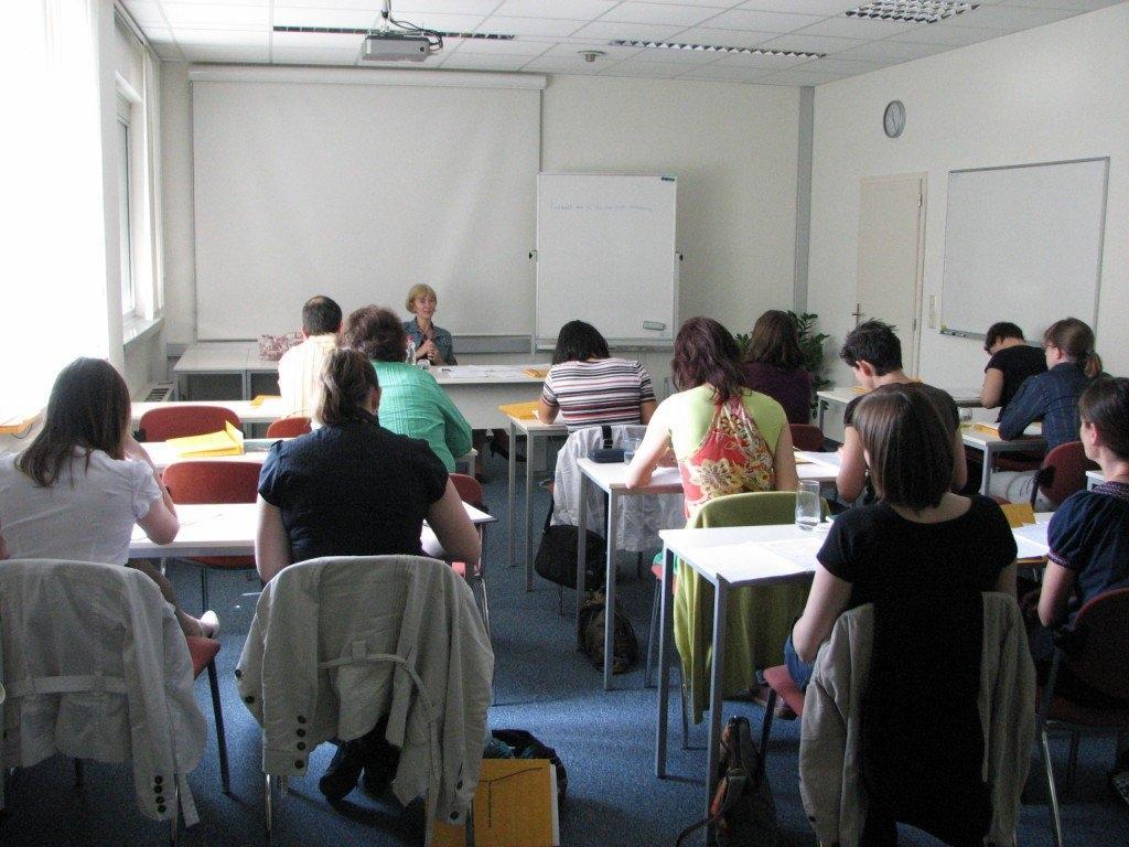 Sodno prevajanje, jezikovno izobraževanje za podjetja, Ljubljana gallery photo no.1