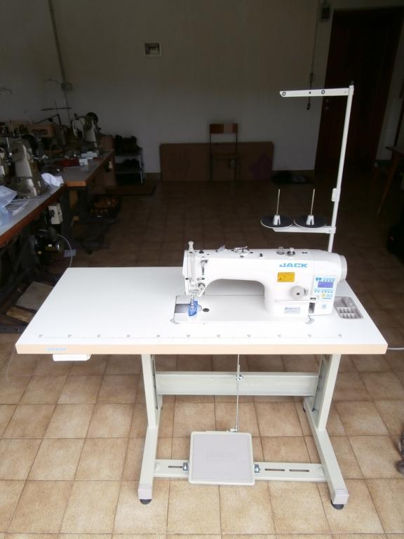 Trgovina in servis šivalnih strojev in likalne tehnike gallery photo no.3