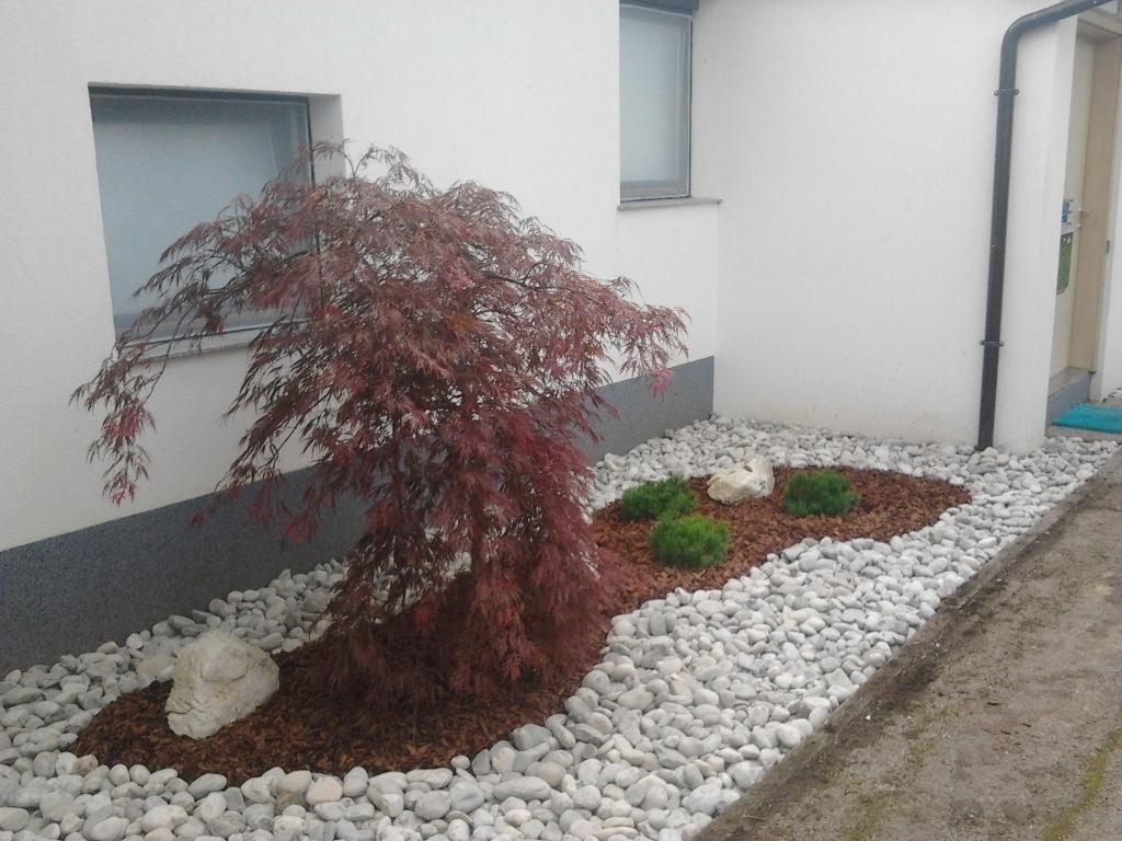 Urejanje, vzdrževanje vrtov, polaganje, setev trave, obrezovanje drevja, žive meje - Vrtnarstvo Šink gallery photo no.20