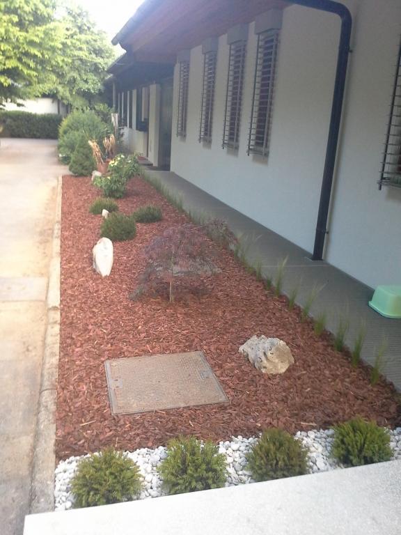 Urejanje, vzdrževanje vrtov, polaganje, setev trave, obrezovanje drevja, žive meje - Vrtnarstvo Šink gallery photo no.31