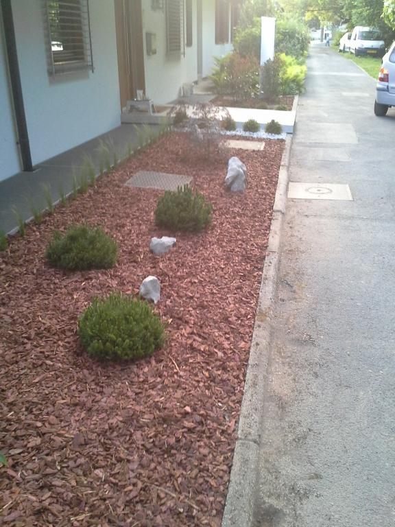 Urejanje, vzdrževanje vrtov, polaganje, setev trave, obrezovanje drevja, žive meje - Vrtnarstvo Šink gallery photo no.32