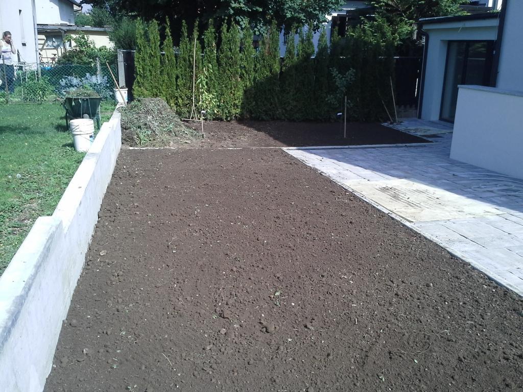 Urejanje, vzdrževanje vrtov, polaganje, setev trave, obrezovanje drevja, žive meje - Vrtnarstvo Šink gallery photo no.41