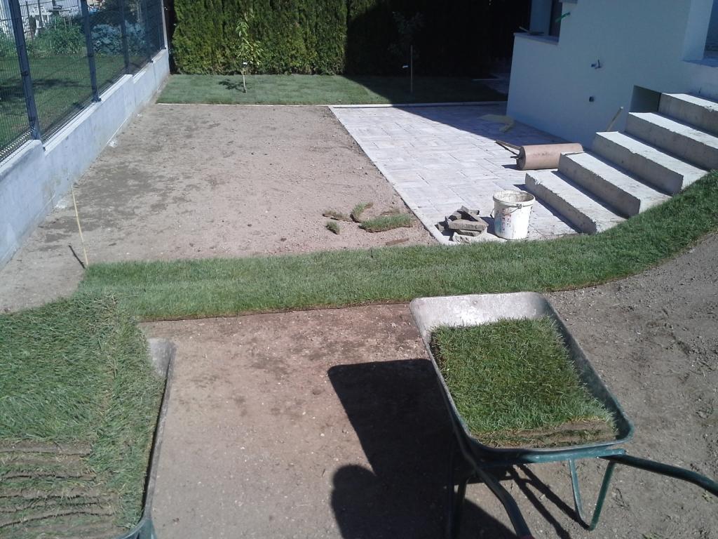 Urejanje, vzdrževanje vrtov, polaganje, setev trave, obrezovanje drevja, žive meje - Vrtnarstvo Šink gallery photo no.42