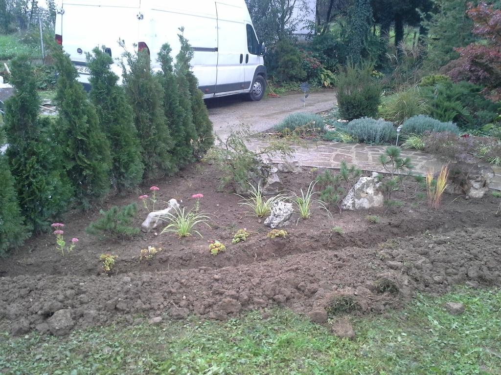 Urejanje, vzdrževanje vrtov, polaganje, setev trave, obrezovanje drevja, žive meje - Vrtnarstvo Šink gallery photo no.46