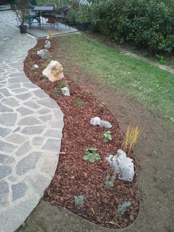 Urejanje, vzdrževanje vrtov, polaganje, setev trave, obrezovanje drevja, žive meje - Vrtnarstvo Šink gallery photo no.51