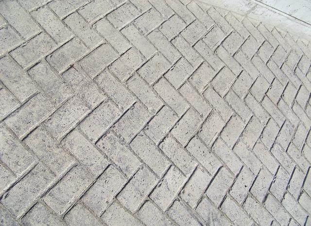 Urejanje okolice, asfaltiranje, polaganje tlakovcev Ptuj gallery photo no.1