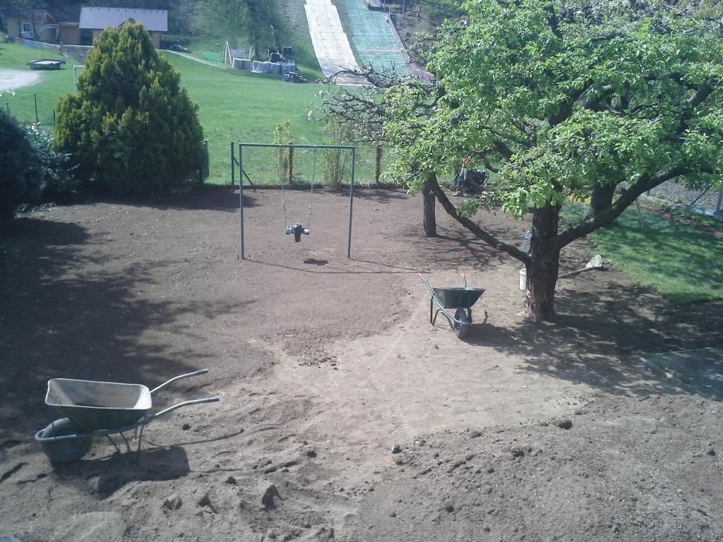 Urejanje, vzdrževanje vrtov, polaganje, setev trave, obrezovanje drevja, žive meje - Vrtnarstvo Šink gallery photo no.81
