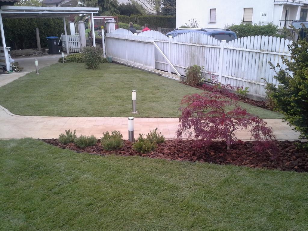 Urejanje, vzdrževanje vrtov, polaganje, setev trave, obrezovanje drevja, žive meje - Vrtnarstvo Šink gallery photo no.85