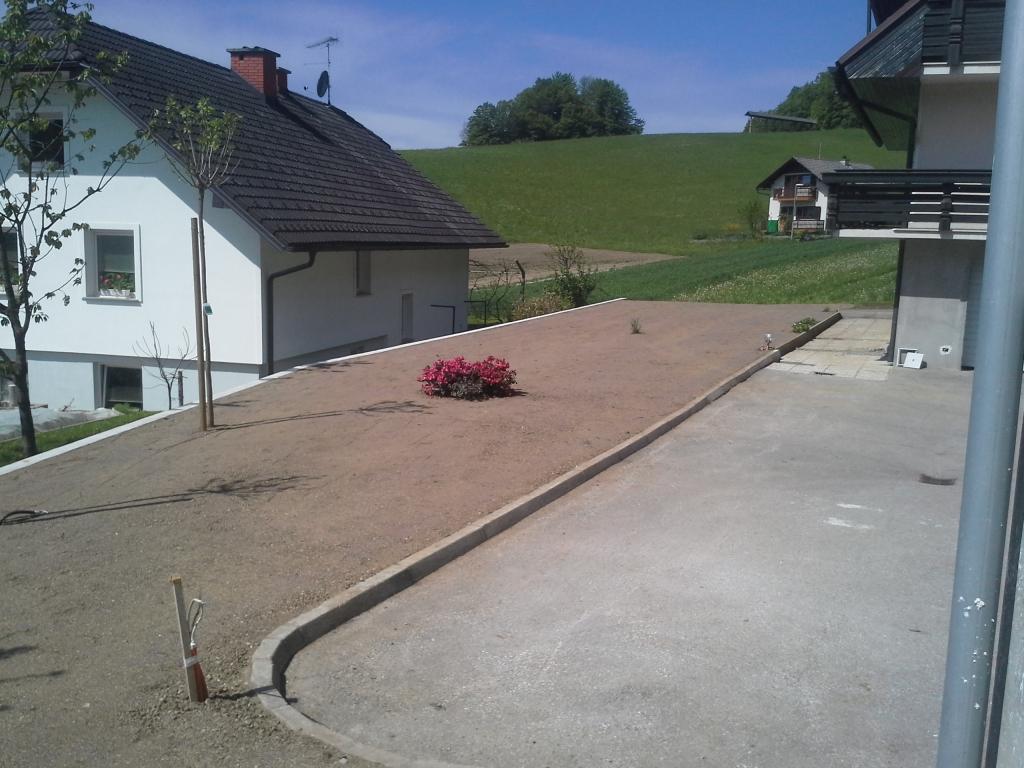 Urejanje, vzdrževanje vrtov, polaganje, setev trave, obrezovanje drevja, žive meje - Vrtnarstvo Šink gallery photo no.94
