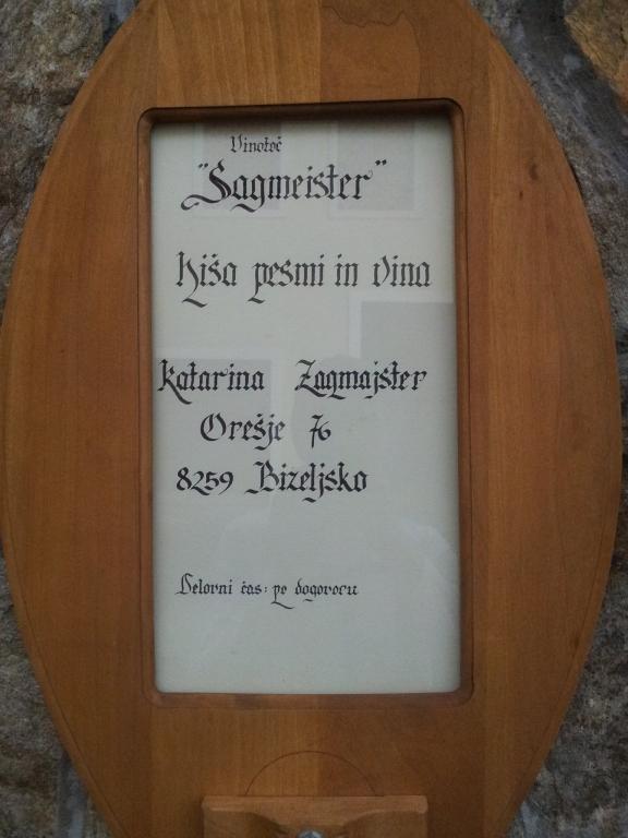 Sagmeister - Hiša pesmi in vina gallery photo no.11