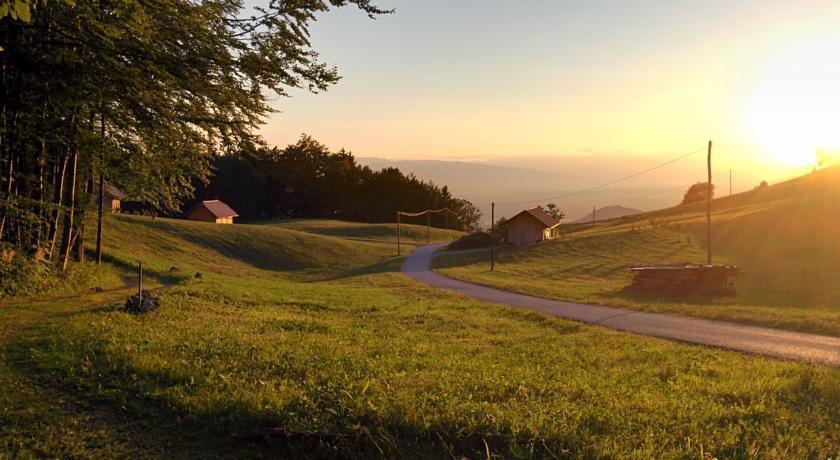 Prenočišča, turistična kmetija, rooms, Pr´ Dovar, Krvavec gallery photo no.18