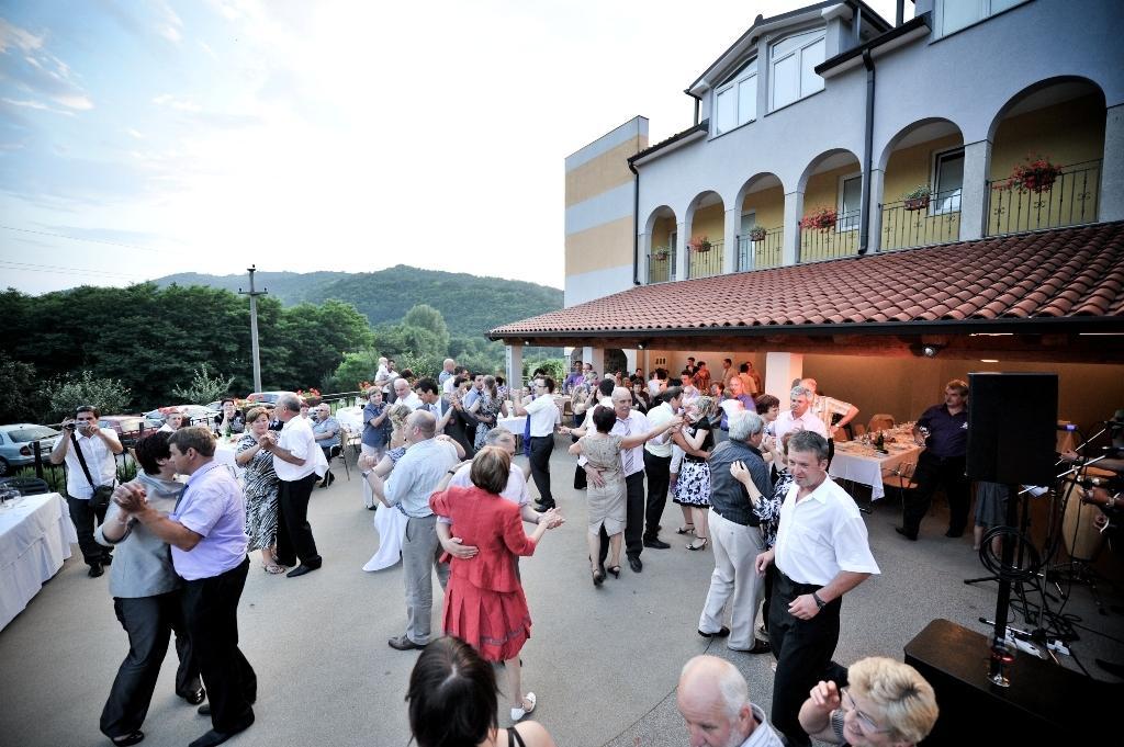 Hiša posebne sorte, nočitve in poroke na Krasu, Štanjel gallery photo no.5