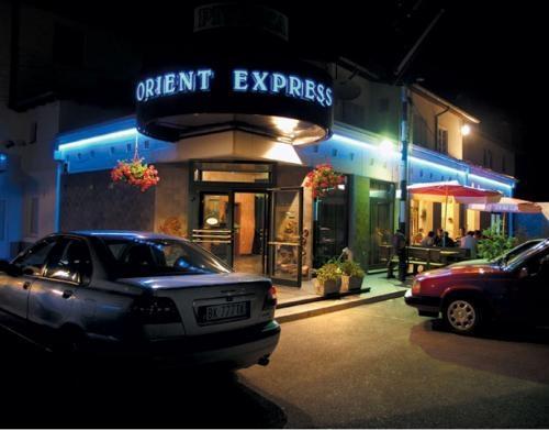 Pizzerija in pivnica Orient Express, Divača gallery photo no.7