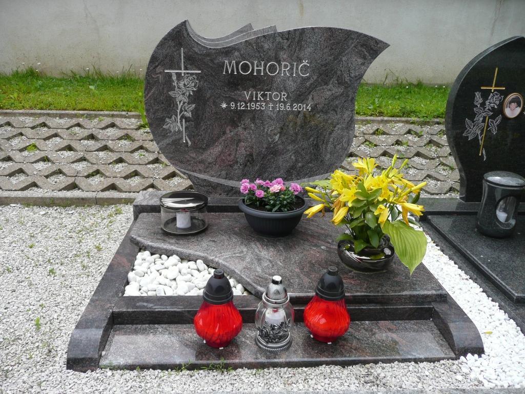 Nagrobni spomeniki - product image