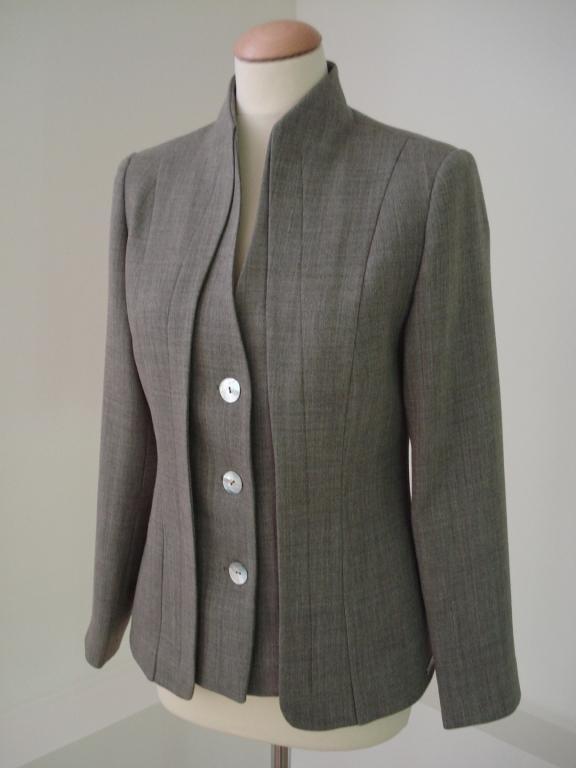 Ženske poslovne obleke po meri - product image