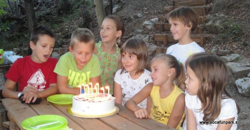 Pustolovska rojstnodnevna zabava - product image