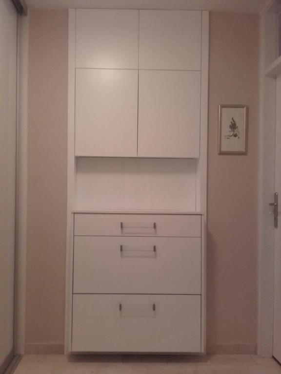 Pohištvo po meri - product image