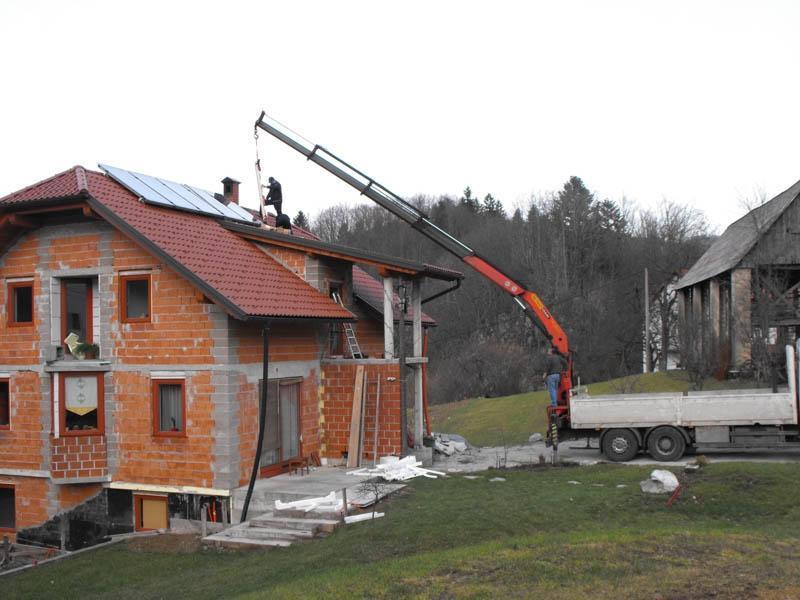 Eno in večdružinske hiše - product image