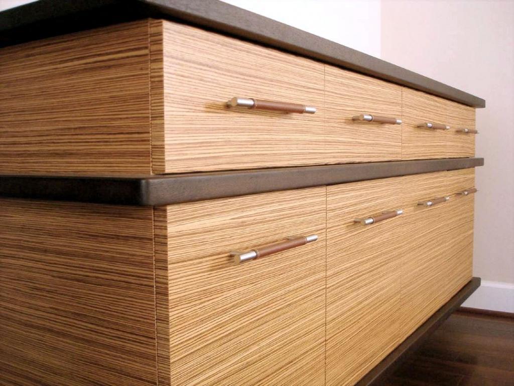 Furnirano pohištvo - product image