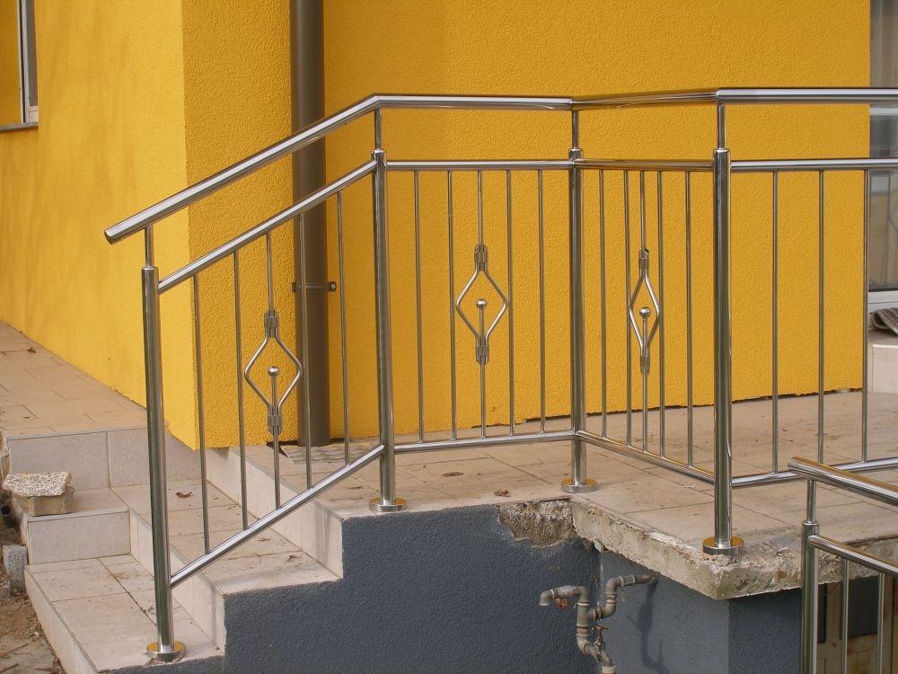 Zunanja ograja z dekorjem - product image