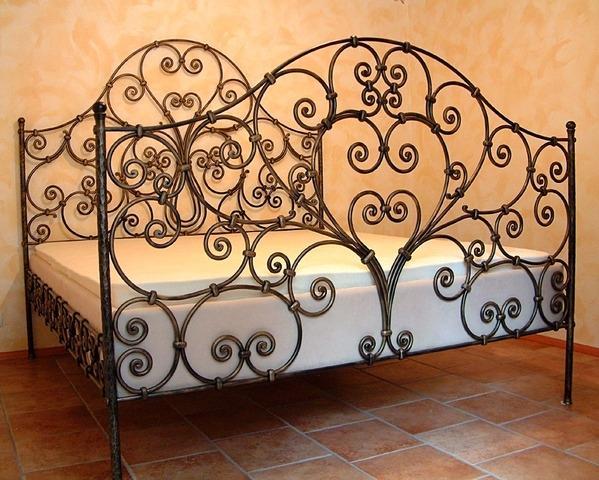 Kovano pohištvo - product image