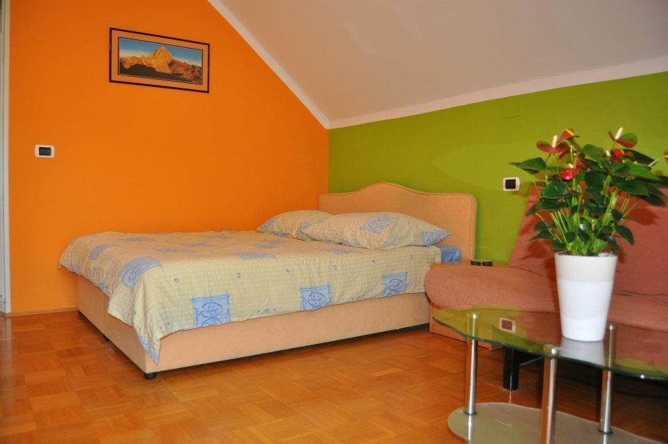 Apartma 4 - product image
