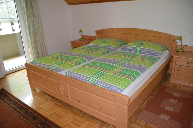 DRUŽINSKA SOBA ZA 4 OSEBE / dve ločeni spalnici - product image